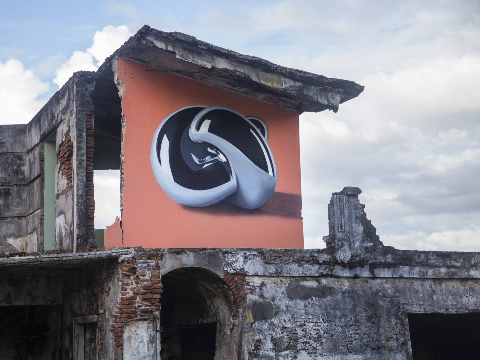 Brillo infinito (Arecibo, PR)