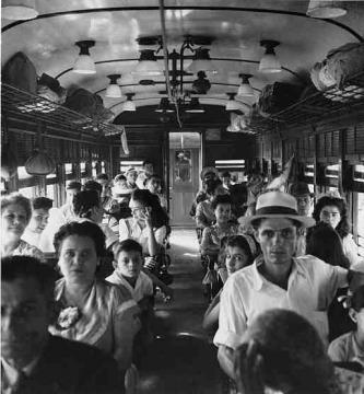 Pasajeros en un tren